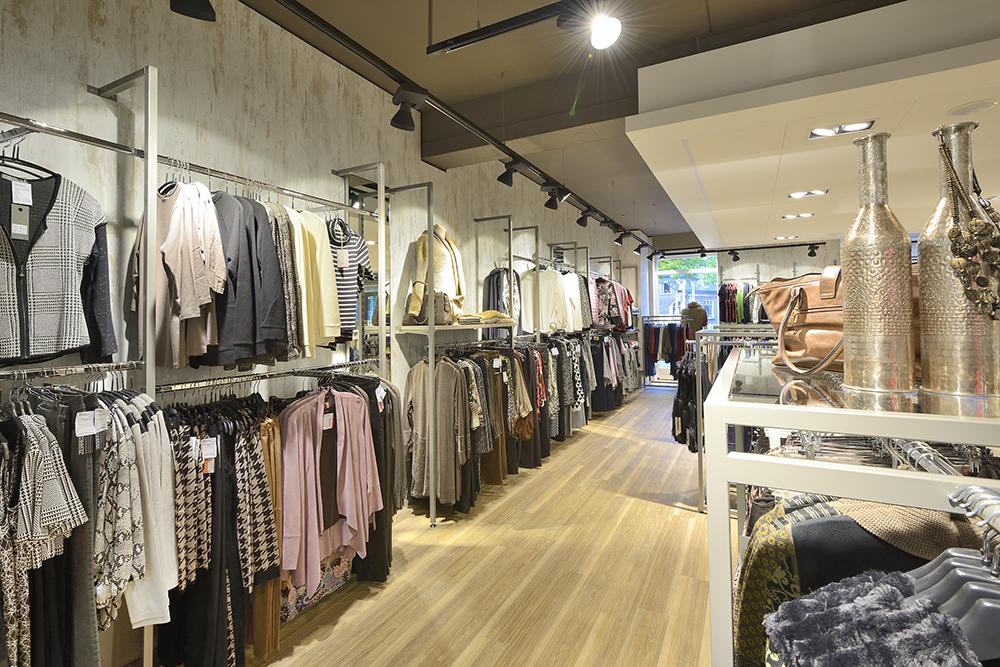 Goedkope online dameskleding Bij Fashionchick vind je het hele jaar door goedkope dameskleding Bekijk de sale categorie en ontdek winterjas dames sale, goedkope jurkjes, merkkleding sale .